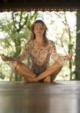 Yoga della donna Immagine Stock