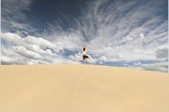 Yoga della duna Fotografia Stock Libera da Diritti