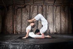 Yoga delle coppie Immagine Stock