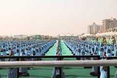 Yoga in der Eröffnungsfeier 29. internationalen Drachenfestivals 2018 - Indien Stockbilder