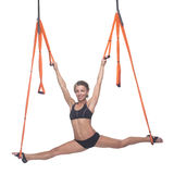 Yoga in der Hängematte, Himmelyoga, Fliegen-Yoga Antigravitations Stockfoto