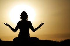 yoga di esercitazione Immagine Stock