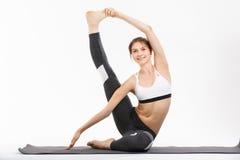 Yoga di esercizio della giovane donna Immagini Stock Libere da Diritti