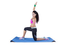Yoga di pratica della donna indiana Immagini Stock