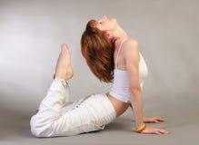 Yoga di pratica della ragazza Fotografia Stock Libera da Diritti