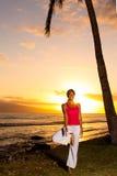 Yoga door de Oceaan Stock Fotografie