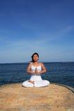Yoga door Overzees Stock Afbeelding