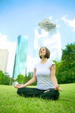 Yoga In Downtown Royalty Free Stock Photography