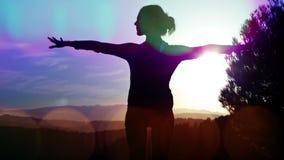 Yoga draußen stock video footage