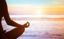 Yoga e meditazione fotografia stock