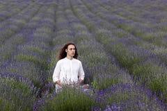 Yoga en nature photo libre de droits