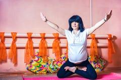 Yoga enceinte Images stock