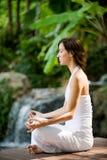 Yoga esterna Fotografie Stock Libere da Diritti