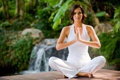 Yoga extérieur photographie stock