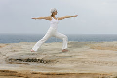 yoga för virabhadrasana ii Royaltyfri Fotografi