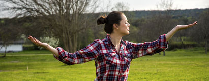 Yoga facente femminile sana Immagine Stock Libera da Diritti