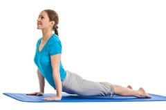 Yoga - giovane bella donna che fa il excerise di asana di yoga isolato Immagini Stock Libere da Diritti