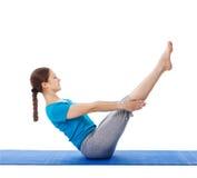 Yoga - giovane bella donna che fa il excerise di asana di yoga isolato Immagine Stock Libera da Diritti