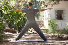 Yoga i natur Fotografering för Bildbyråer