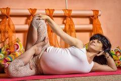 Yoga incinta fotografia stock libera da diritti