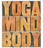 Yoga mening, kroppordabstrakt begrepp royaltyfri foto