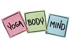 Yoga, mening och kroppordabstrakt begrepp arkivfoton