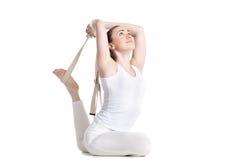 Yoga met steunen, Eka Pada Rajakapotasana 1 Stock Afbeelding