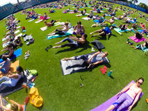Yoga nel parco, Joseph P Reilly, junior stadio Fotografie Stock