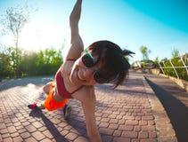 Yoga nella sosta Immagini Stock Libere da Diritti