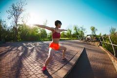 Yoga nella sosta Fotografie Stock Libere da Diritti