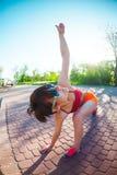 Yoga nelle vie della città Fotografia Stock Libera da Diritti
