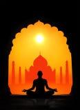Yoga och Taj Mahal royaltyfria bilder
