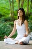 Yoga in openlucht Royalty-vrije Stock Afbeeldingen