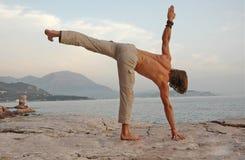 Yoga in openlucht. Stock Afbeeldingen
