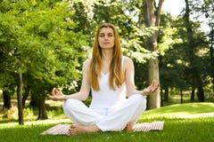 Yoga outdoor pose Royalty Free Stock Photos