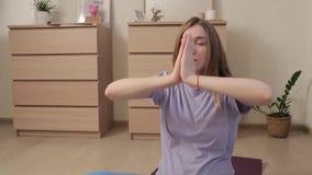 Yoga pour les femmes enceintes 19 banque de vidéos