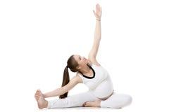 Yoga prénatal, pose en avant de courbure de Tête-à-genou Photo stock