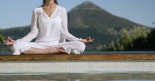 Yoga que hace morena tranquila metrajes