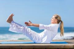 Yoga sana della donna Fotografie Stock Libere da Diritti