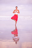 Yoga by the seaside Royalty Free Stock Photography