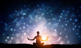 Yoga som fysisk och andlig terapi Blandat massmedia Fotografering för Bildbyråer
