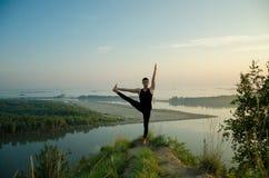 Yoga: Styrka, harmoni och lugn Royaltyfria Bilder