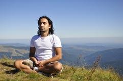 Yoga sulla montagna Fotografie Stock Libere da Diritti