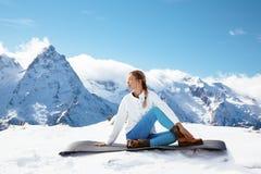 Yoga sulla montagna nell'inverno Immagini Stock Libere da Diritti