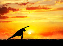 Yoga utthita parsvakonasana pose Royalty Free Stock Photography