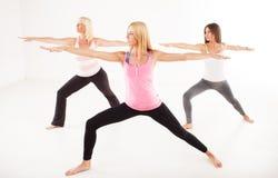 Yoga virabhadrasana II Kriegershaltung Lizenzfreies Stockbild