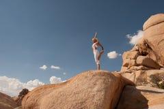 Free Yoga Woman Desert Balance Royalty Free Stock Image - 147955176
