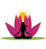 Yoga y logotipo rosado de la flor de loto Fotografía de archivo
