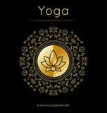 Yogaaffisch med konturn för blom- prydnad och lotusblomma guld- textur royaltyfri illustrationer