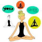 Yogaflickalotusblommar poserar Royaltyfria Bilder